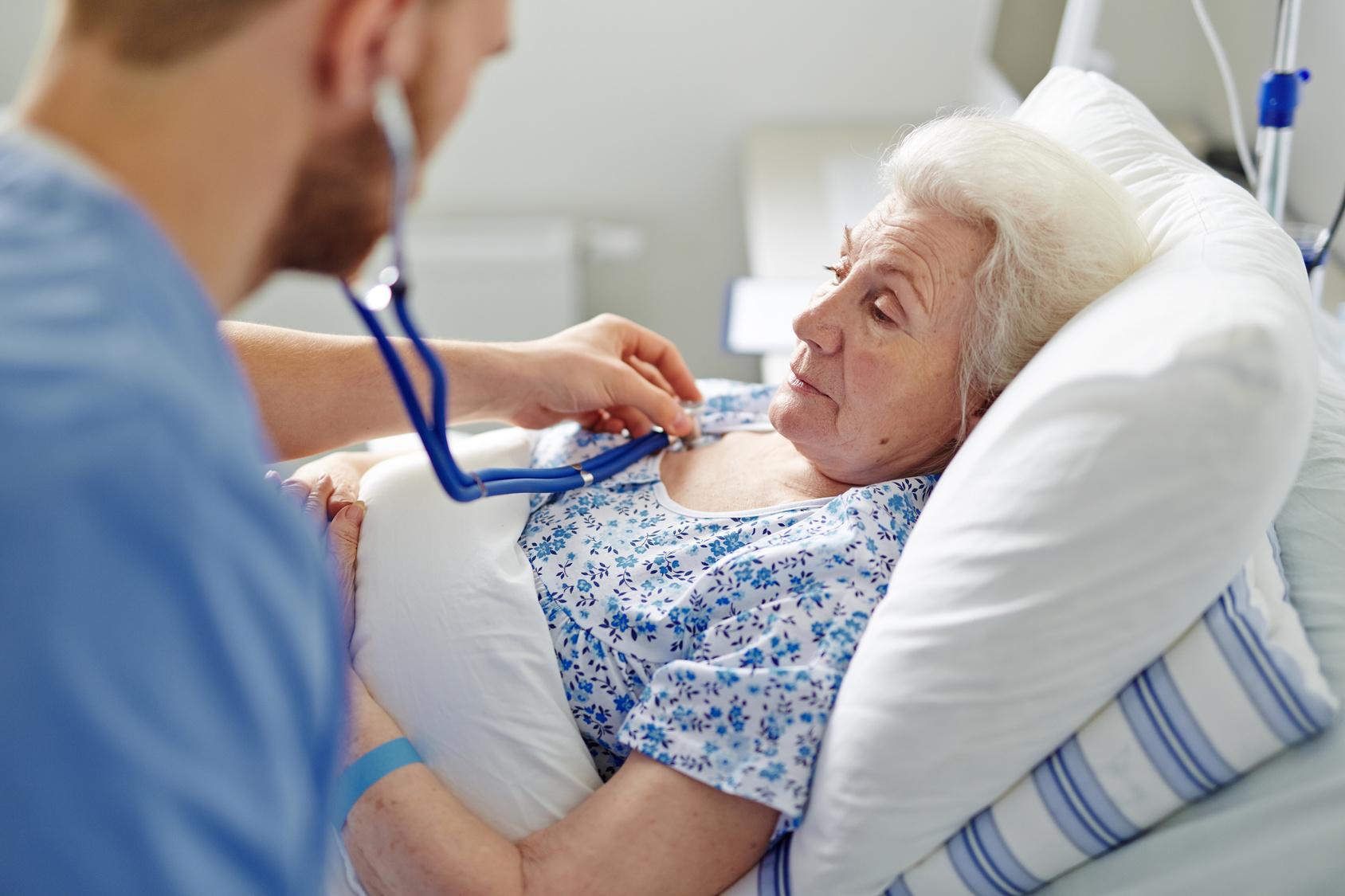 перелом шейки бедра в старческом возрасте