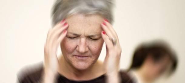 Причины головокружения при нормальном давлении у женщин после 50 лет