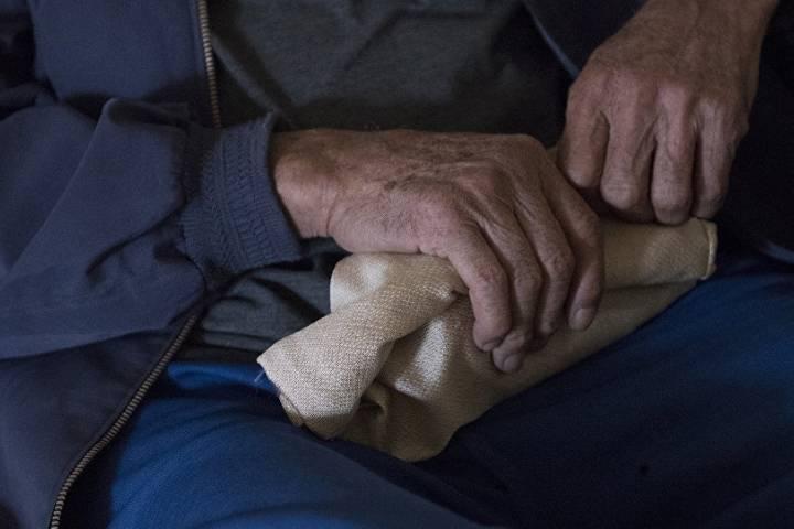 старческий тремор рук