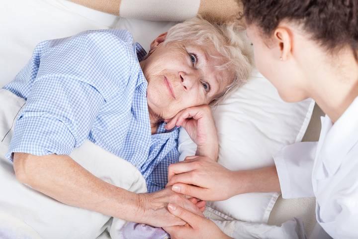 уход после инсульта в домашних условиях